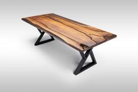 Esstisch aus Nussholz mit Epoxidharz UN075