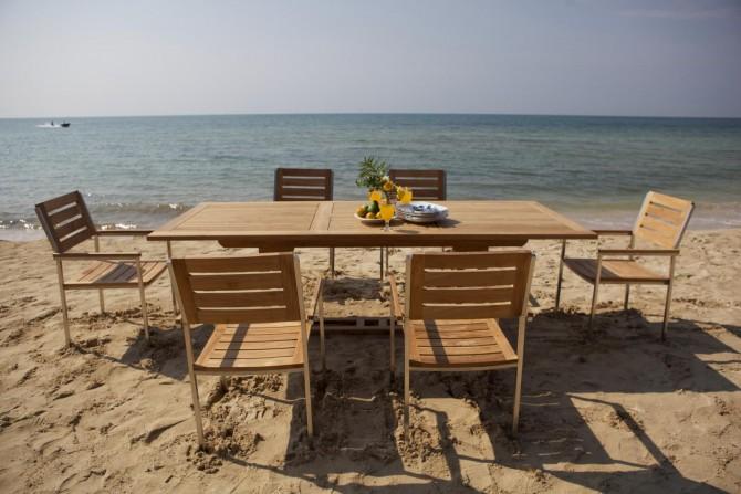 Gartentisch mit Stapelbaren Stühlen