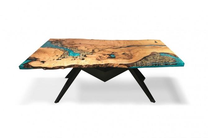 esstisch mit kunstharz, baumkante esstisch, esstisch massivholz, tisch aus eiche,